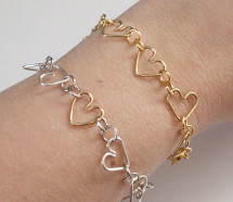 Chain of Hearts Wire Bracelet